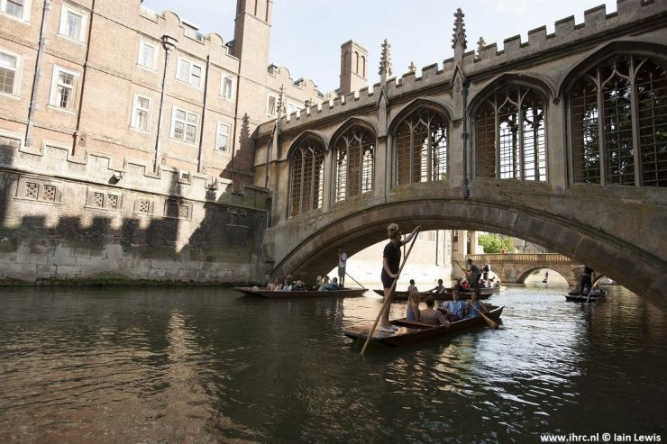 Bridge of Sighs St Johns College Scudamores Punting Company in Cambridge © Iain Lewis.jpg